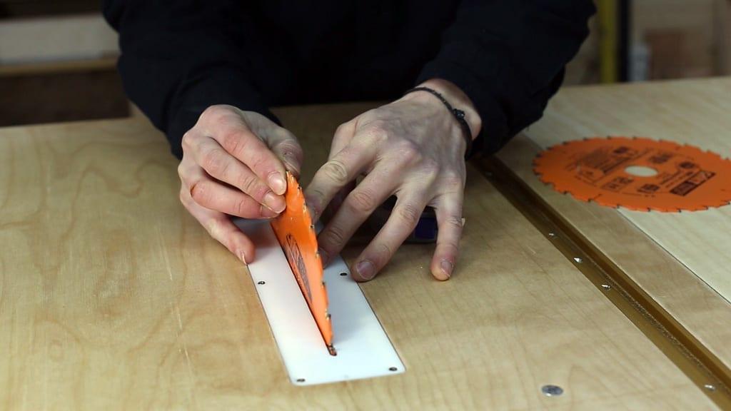 How-to-check-circular-saw-table-blade