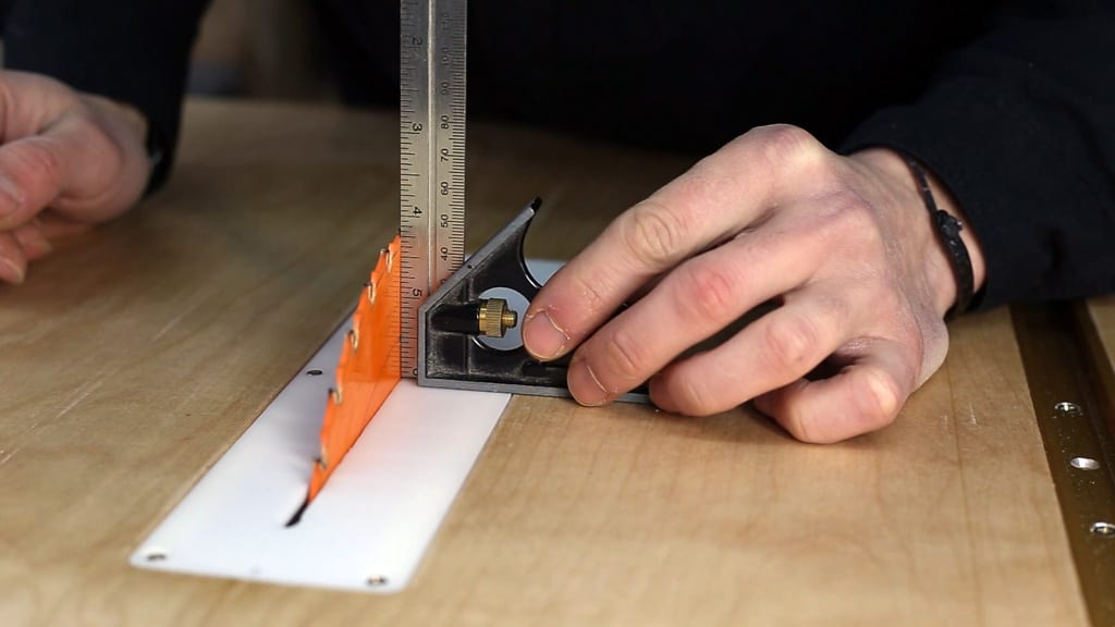 How-align-your-table-saw-blade