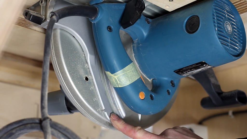 How-align-your-inverted-circular-saw-table-diy