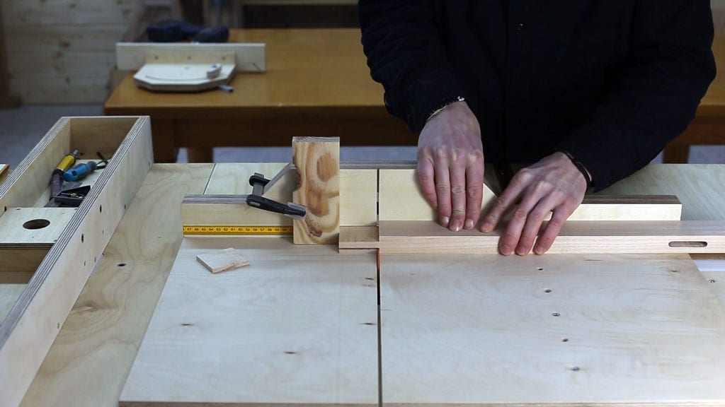 How-make-mortise-tenon-joint-saw-table