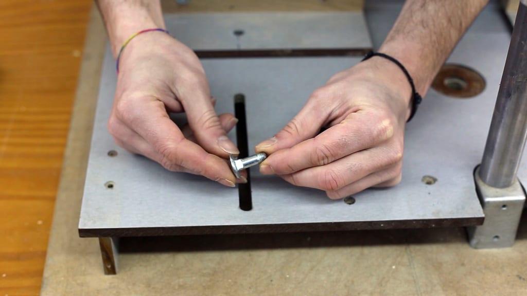 Diy-drill-press-stand-table-screw