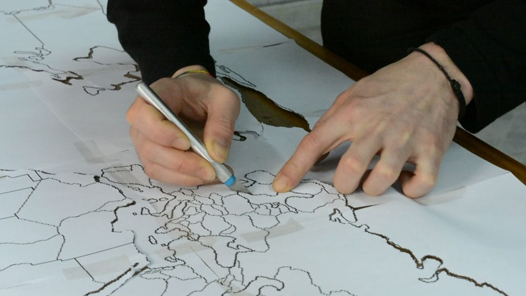 Diy-cork-world-map-cutter