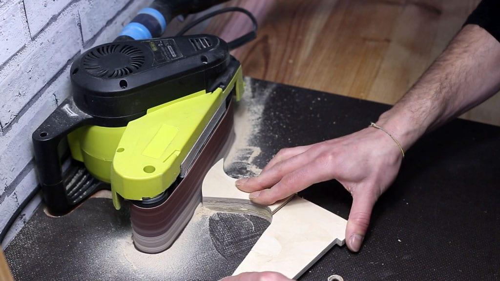 Como-lijar-empujador-casero-sierra-mesa-seguridad