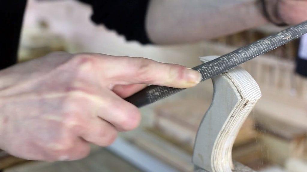 Como-limar-empujador-casero-sierra-mesa-seguridad