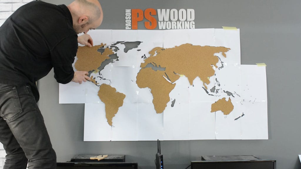 How-to-glue-wall-diy-cork-world-map