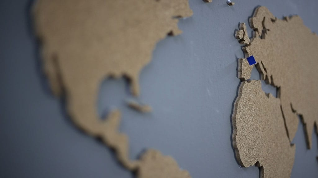 How-to-make-diy-cork-world-map-woodworking