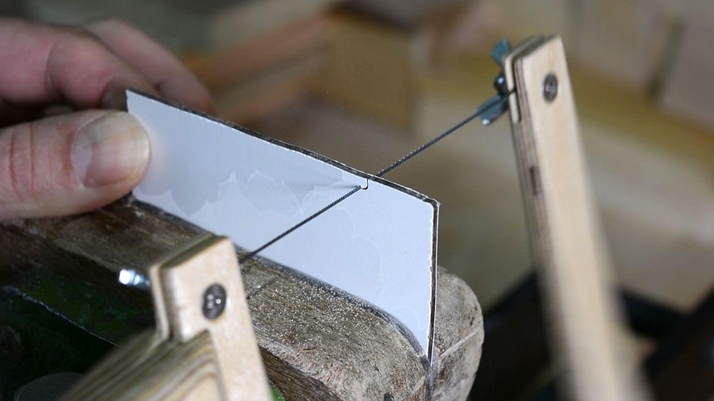 Como-usar-sierra-mano-marquetería-casera