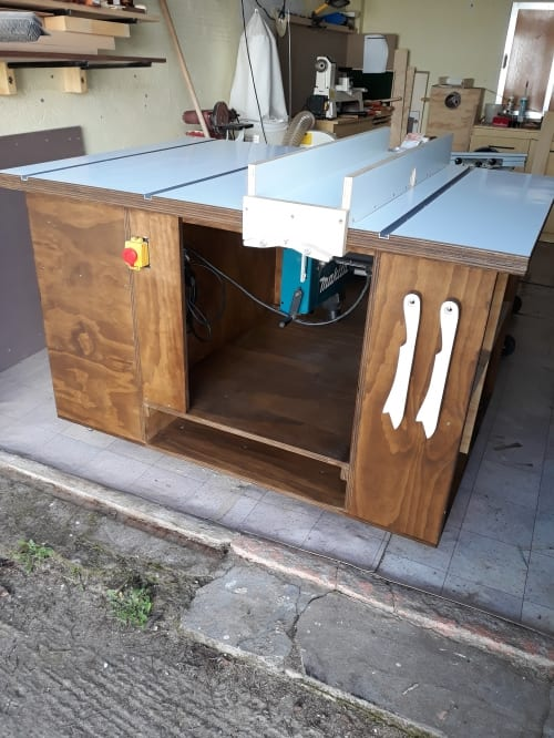 Router Saw Table by Bjorn Deronde - Router & Saw Table Readers Projects