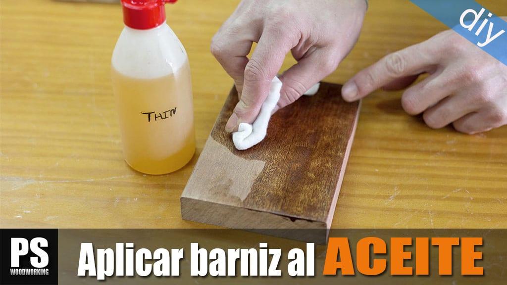 Como-aplicar-barniz-aceite-madera
