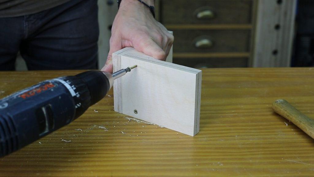 Como-hacer-calibre-altura-casero-carpinteria-contrachapado