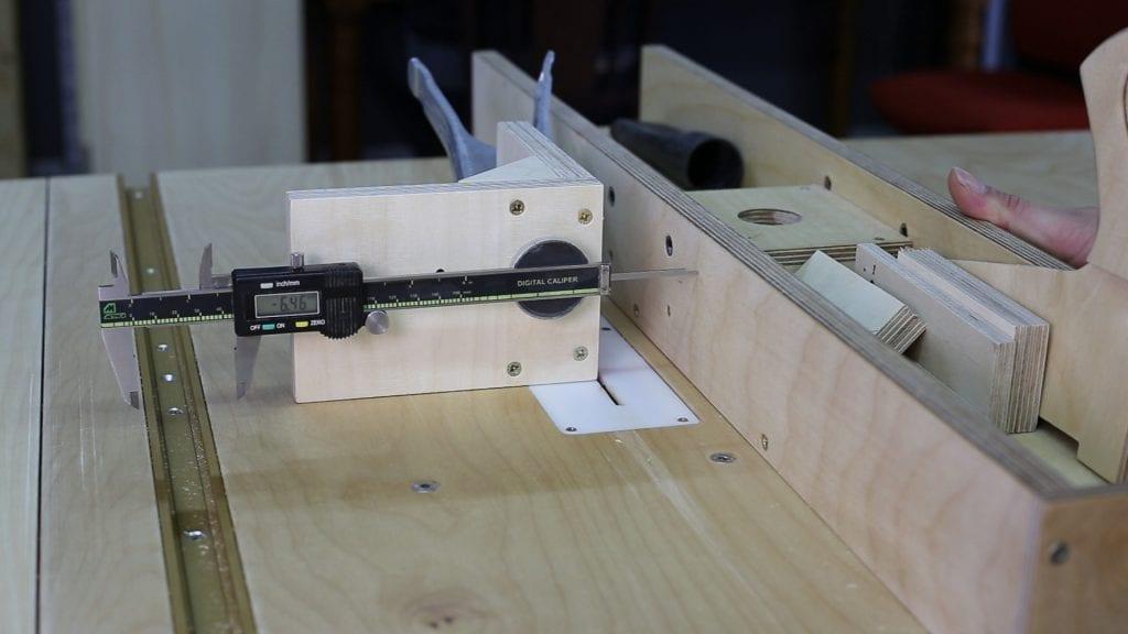 Calibre-altura-casero-carpinteria-medir-guia-lateral