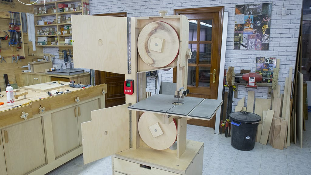 Diy-band-saw-upgrades-blade-guide-wheel-woodworking