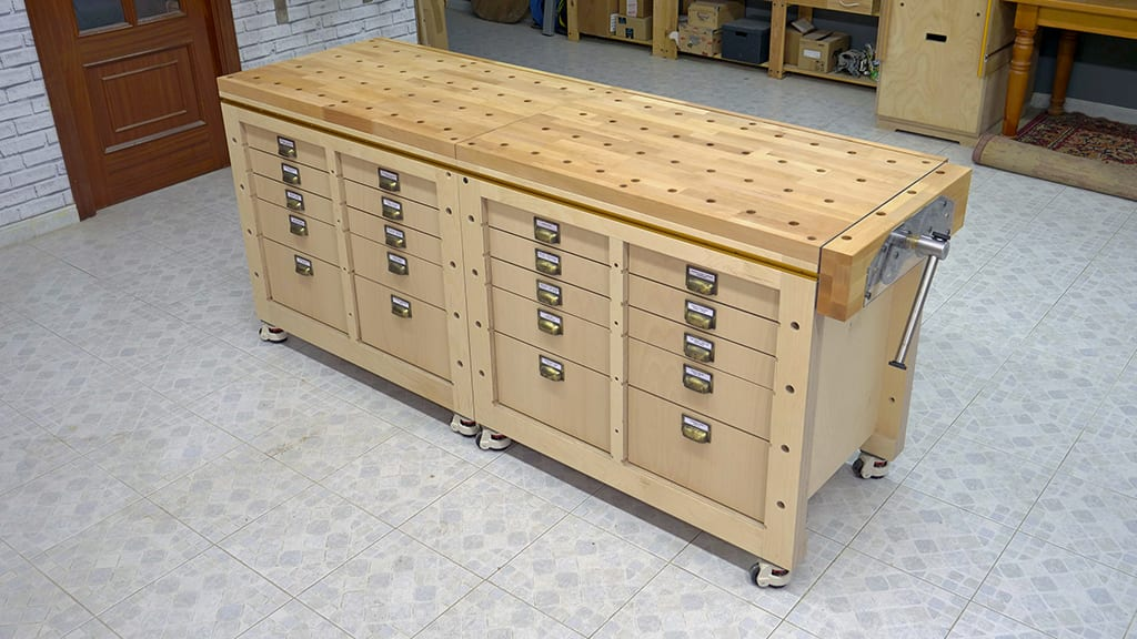 Homemade-modular-workbench-mobile-tool-stand-front