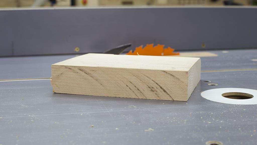 Cuttting-hard-wood-table-saw