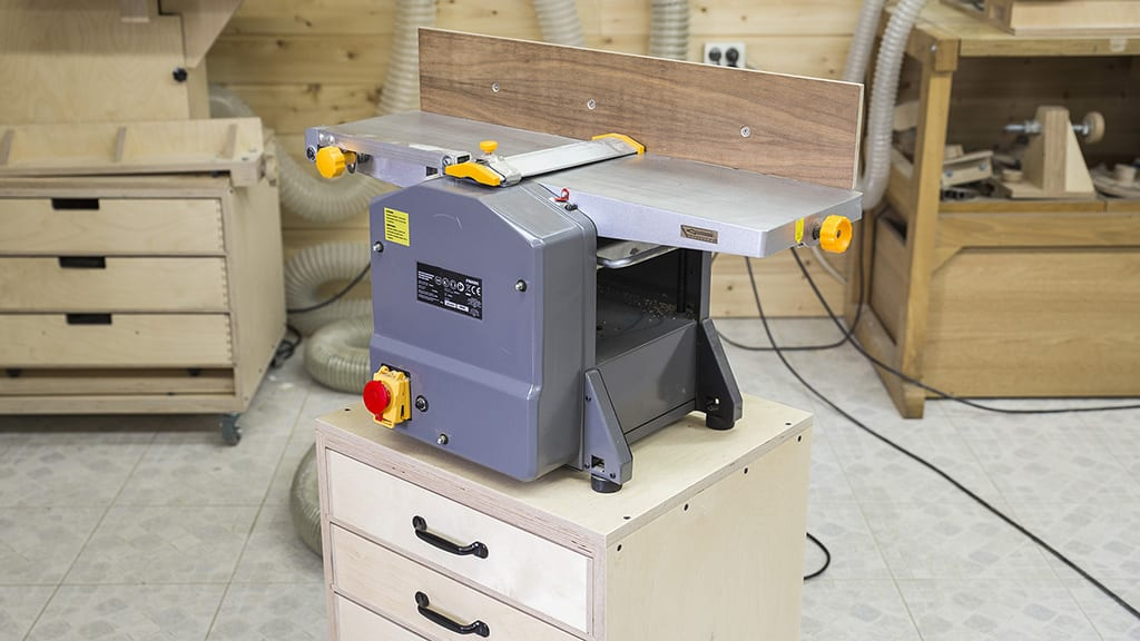 Plywood-homemade-jointer-planer-stand