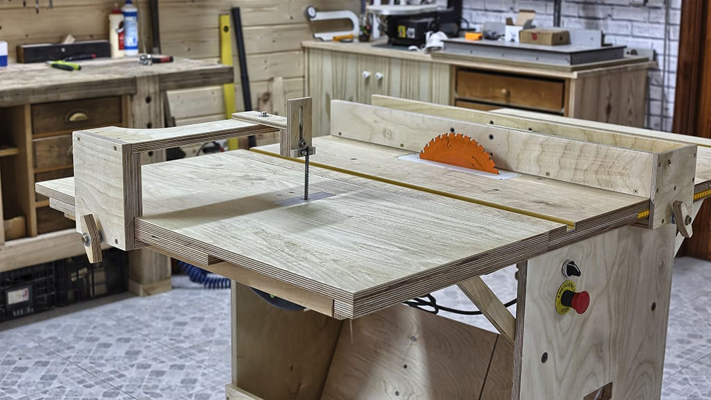 Diy-portable-workshop-table-saw-top