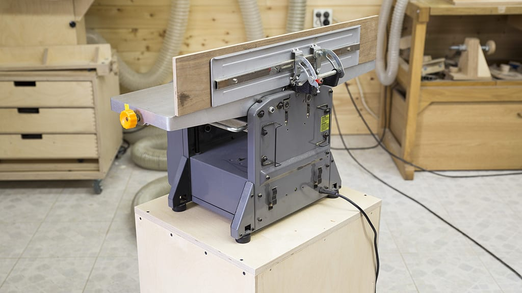 Plywood-homemade-jointer-planer-stand-drawers