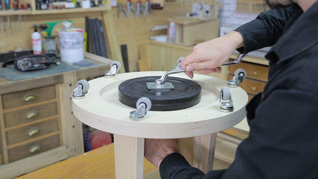 Base-ruedas-soporte-tripode-camara-video-foto-casero