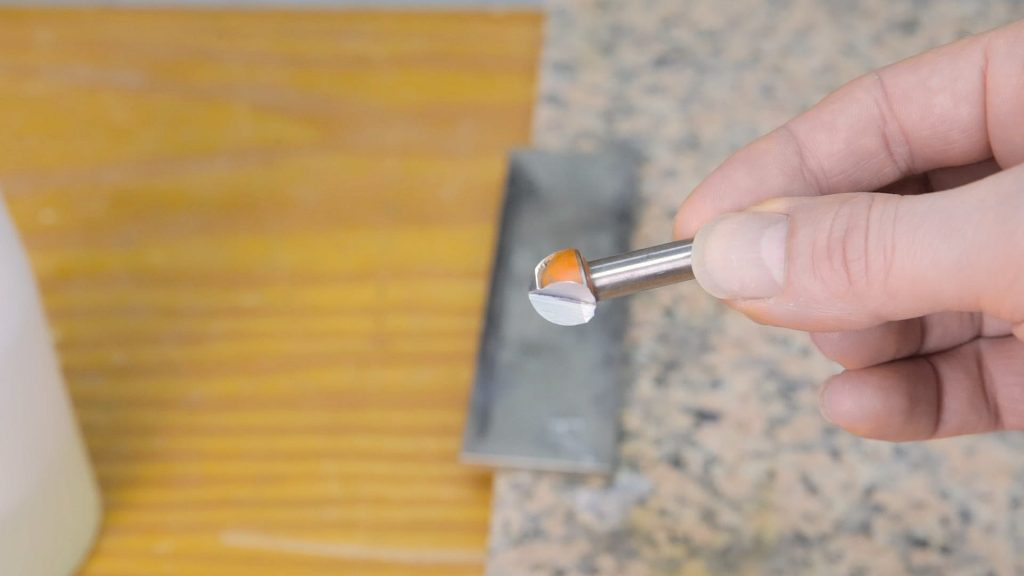 How-sharpen-round-router-bits-diamond-stone-woodworking