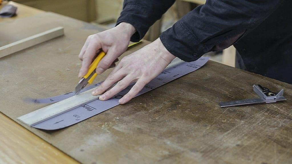 How-cut-fabric-sandpaper-woodworking