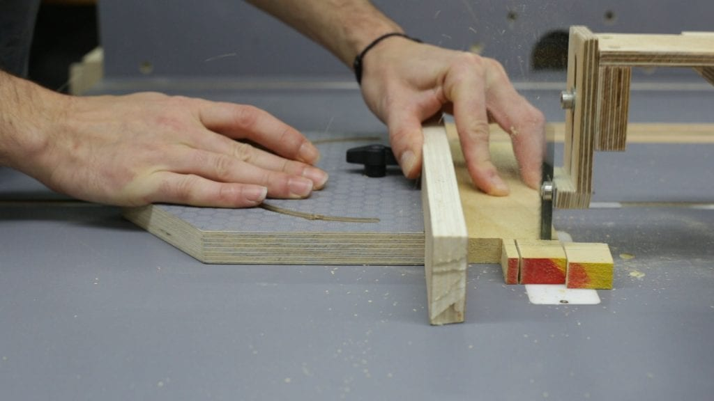 Testing-inverted-jig-saw-guide-table-saw