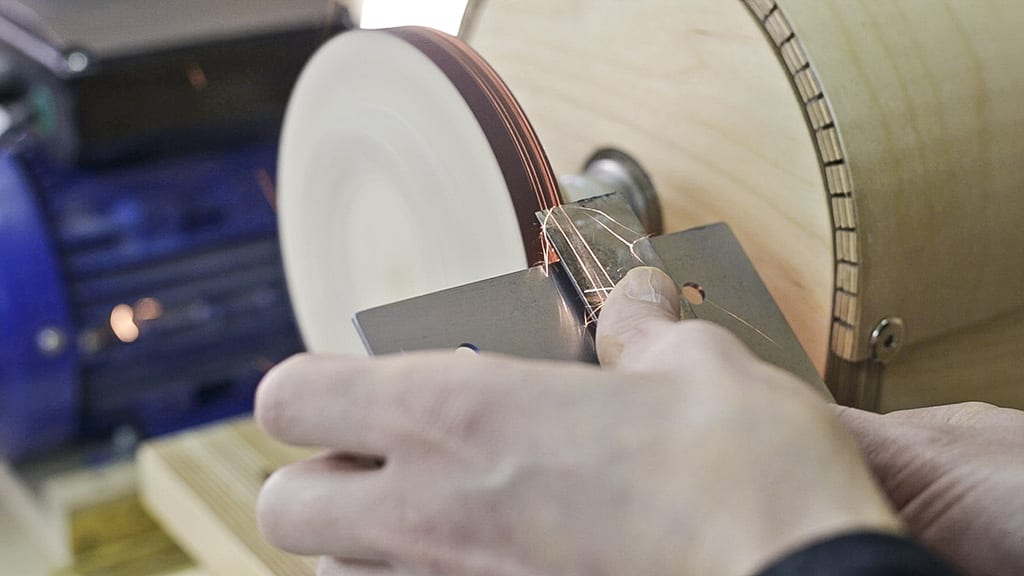 How-sharpen-chisel-sandpaper-wheel-woodworking