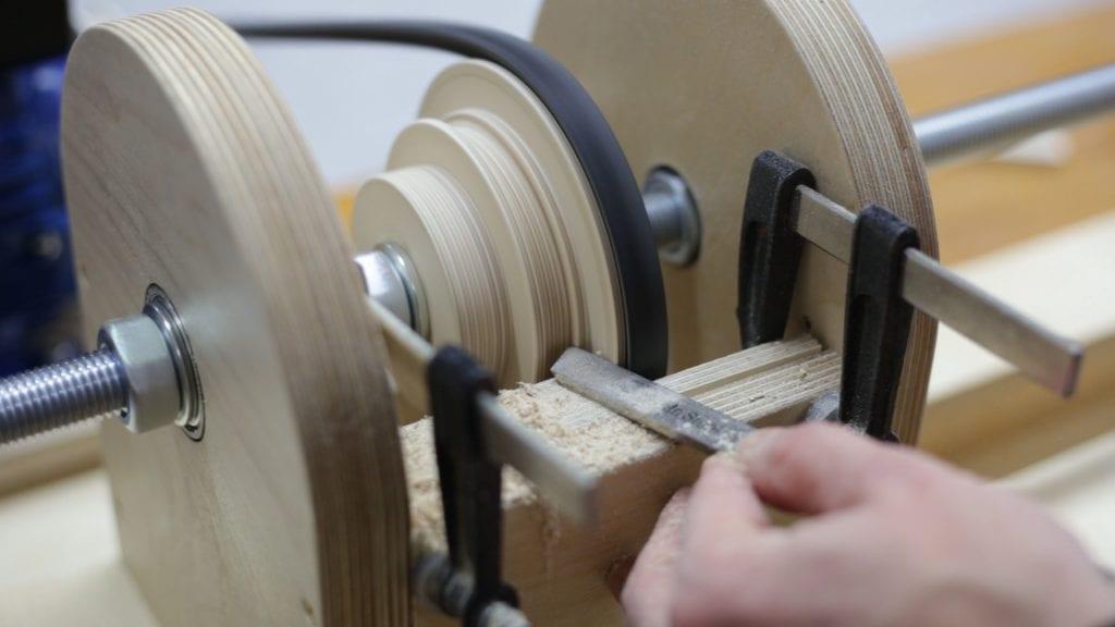 Como-hacer-poleas-madera-contrachapado-torno
