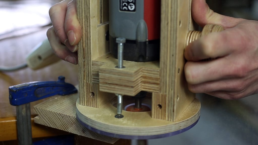 18 4 - DIY Plunge Router Base