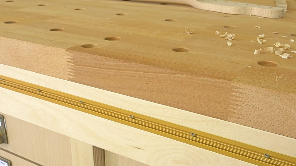 Finger-joint-board-bench-top-sample
