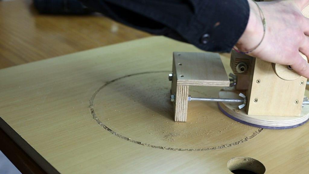Como-hacer-circulos-fresadora-inmersion-bricolaje