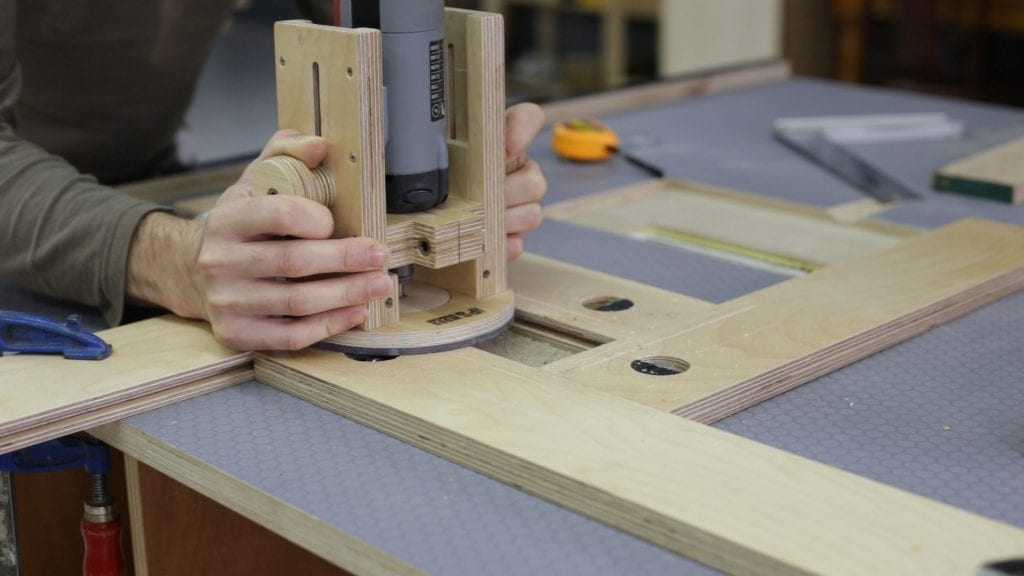 How-install-diy-inverted-jig-saw-guide-table-saw