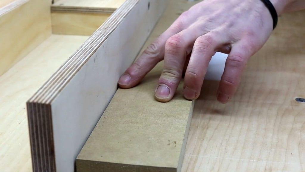 Table-saw-safety-tips-kickback-problem