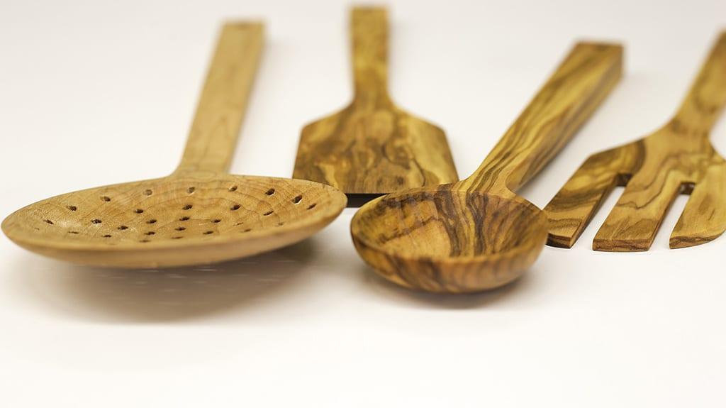beginner-woodworking-diy-kitchen-utensils