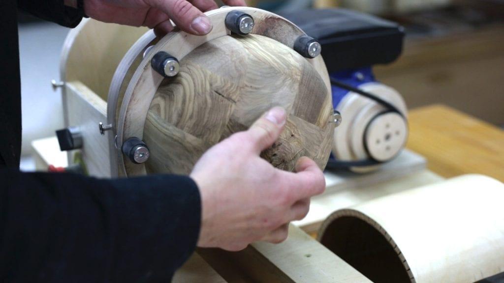 Turning-diy-bowl-lathe-faceplate
