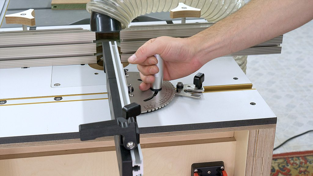 How-use-router-table-diy-miter-gauge