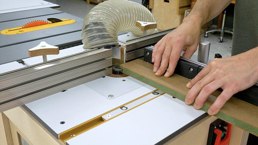 How-make-router-table-diy-miter-gauge