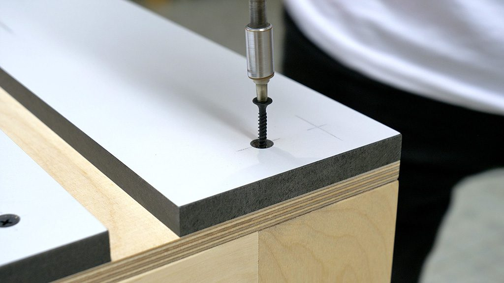 How-make-router-table-worktable-mdf-plywood